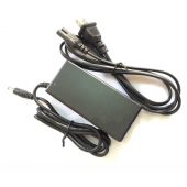 DC 13.8V 2A Lead Acid Accumulator Battery Charger Power Adapter